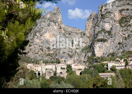 An overview of Moustiers Sainte Marie, a picturesque Provençal village (Haute Provence Alps - France). Moustiers - Stock Photo