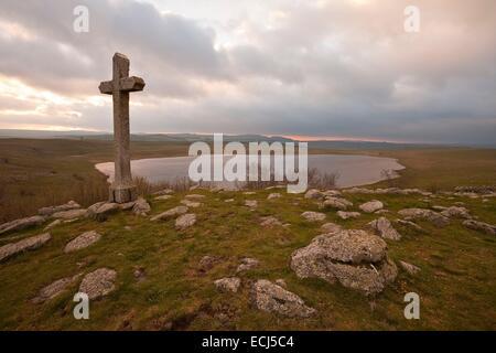 France, Lozere, Aubrac, cross Lake St Andeol on the way to Saint Jacques de Compostela - Stock Photo