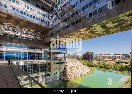 France, Herault, Montpellier, district of Port Marianne, city hall designed by the architects Jean Nouvel and Francois - Stock Photo