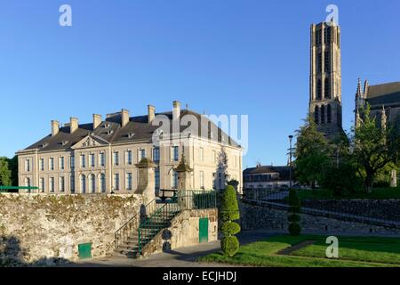 France, Haute Vienne, Limoges, cathedral of Saint Etienne, bishop's palace, Beaux Arts museum - Stock Photo