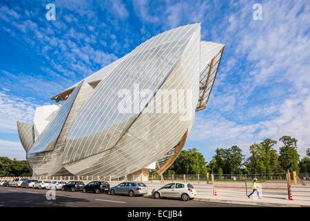 France, Paris, fondation Louis Vuitton by architect Franck Gehry - Stock Photo
