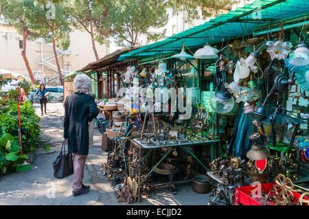 Italy, Tuscany, Florence, Piazza dei Ciompi, Mercato delle pulci, Flea Market - Stock Photo