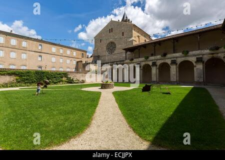 la reole benedictine priory 18th century stock photo royalty free image 69892907 alamy. Black Bedroom Furniture Sets. Home Design Ideas