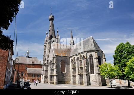 France, Nord, Solre le Chateau, Saint Pierre Saint Paul's church with its characteristic leaning bell tower - Stock Photo