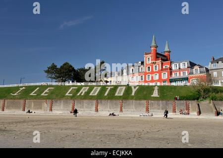 France, Somme, Le Crotoy, hotel restaurant Les Tourelles at beachside - Stock Photo