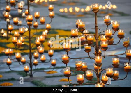 India, Rajasthan, Jaipur, Jal Mahal surroundings, Diwali oil lamps - Stock Photo