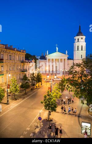 Lithuania (Baltic States), Vilnius, historical center listed as World Heritage by UNESCO, Gedimino's avenue with - Stock Photo