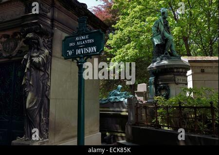 France, Paris, the Pere-Lachaise cemetery - Stock Photo