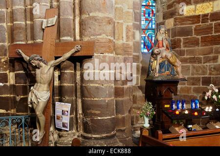 France, Morbihan, Malestroit, Saint Gilles church, Pieta polychrome statue - Stock Photo