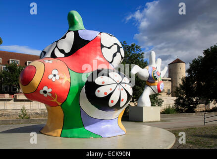 nana street art by niki de saint phalle hannover lower. Black Bedroom Furniture Sets. Home Design Ideas
