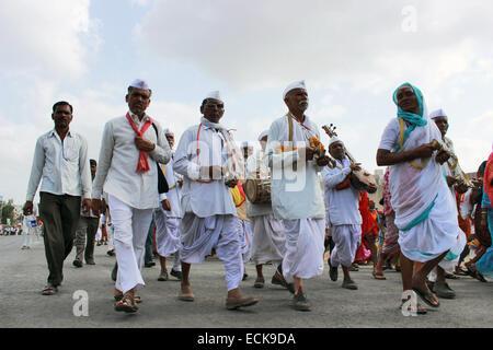 Pilgrims or waris at Pandarpur yatra - Stock Photo