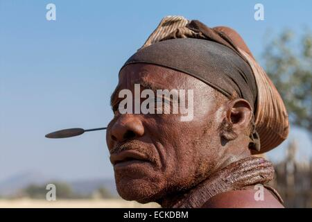 Namibia, Kunene region, Kaokoland, Himba village near Opuwo, Himba man - Stock Photo