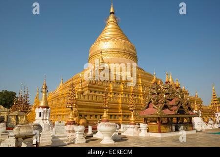 Myanmar (Burma), Mandalay Division, Nyaung U, Shwezigon Pagoda, Central Zedi - Stock Photo