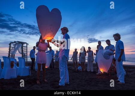 France, Reunion Island, Etang Sale les Bains, seascape, cultures and traditions, habits and customs, scene wedding - Stock Photo