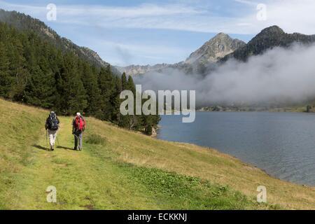France, Hautes Pyrenees, Aragnouet, Aure valley, Neouvielle Natural Reserve, l'Oule lake - Stock Photo
