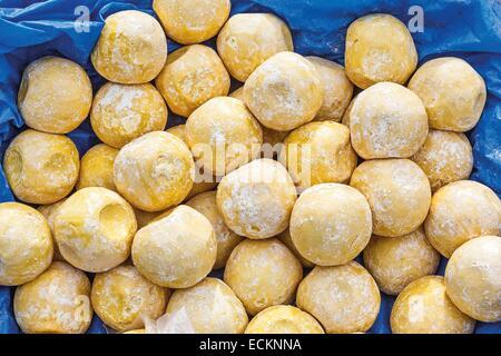 Burkina Faso, Bobo Dioulasso, Toussiana, homemade soap balls Shea - Stock Photo