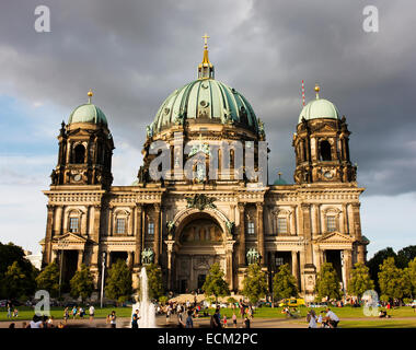 The Berliner DOM, or Berlin Cathedral in Berlin's Mitte with the Lustgarten, or pleasure park in foreground. - Stock Photo