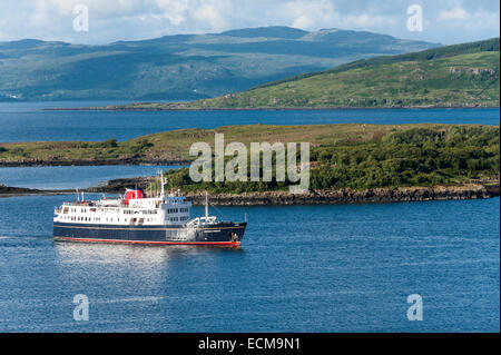 Cruise ship Hebridean Princess approaches a mooring near Tobermory on the island of Mull in Scotland. - Stock Photo