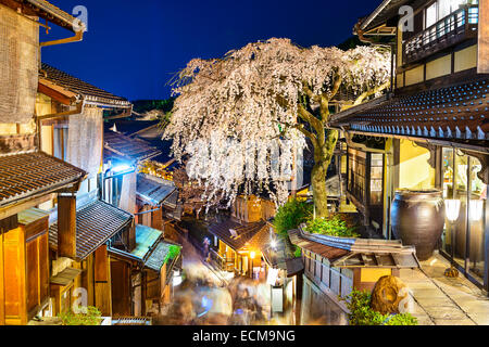 Kyoto, Japan alleyway scene in the Higashiyama district at night during the spring season. - Stock Photo