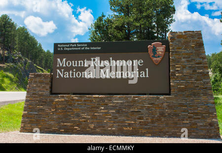 Mount Rushmore South Dakota Keystone sign for entrance to National Memorial of  Presidents in stone on mountain - Stock Photo