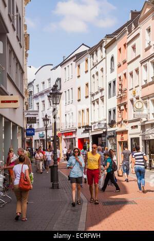 PEOPLE SHOPPING, PEDESTRIAN AREA, STERNSTRASSE STREET, BONN, NORTH RHINE-WESTPHALIA, GERMANY - Stock Photo