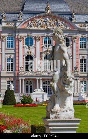 ELECTORAL PALACE, KURFUERSTLICHES PALAIS, BAROQUE STYLE, TRIER, TREVES, RHINELAND-PALATINATE, GERMANY - Stock Photo
