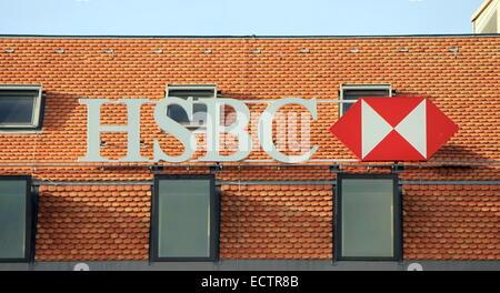 GENEVA - SEPTEMBER 21: HSBC Bank branch on sept. 21, 2013 in Geneva, Switzerland - Stock Photo