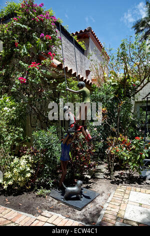 The beautifully sculptured and ornamented garden of Via Amore, at the back of Worth Avenue, Palm Beach, Florida, - Stock Photo