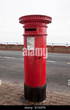 Pillar Box with no royal cipher, intended for Scotland but installed in Eastbourne, Sussex, by mistake. - Stock Photo
