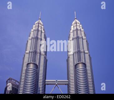 The Petronas Towers (Menara Berkembar Petronas), Jalan Ampang, Kuala Lumpur, Federal Territories, Malaysia - Stock Photo