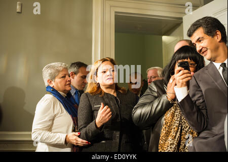 New York City, USA. 23rd Dec, 2014. New York City Council Speaker Melissa Mark-Viverto enters with members of the - Stock Photo