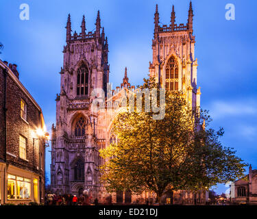 York Minster, the cathedral of the city of York, floodlit at twilight. - Stock Photo