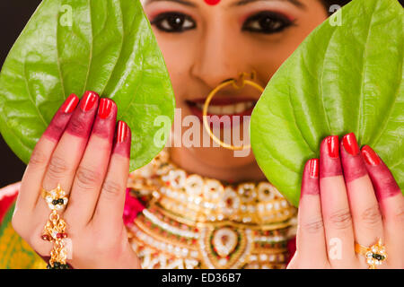 1 Bengali Bride lady Wedding - Stock Photo