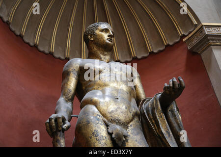 Roman art. Heracles. Gilded statue. From the theatre of Pompey. 2nd century. Vatican Museums. Vatican city. - Stock Photo