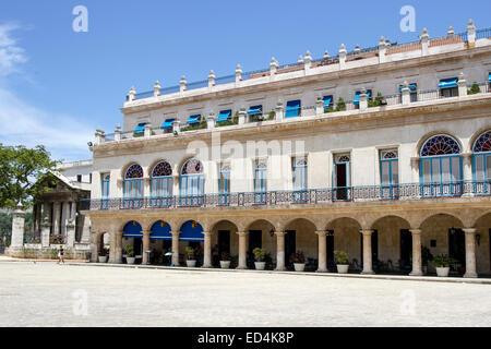 Old Havana plaza Vieja - Stock Photo