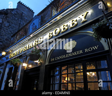 Greyfriars Bobby historic pub at dusk, Edinburgh Old Town, Dog outside, Lothians, Scotland, UK - Front - Stock Photo