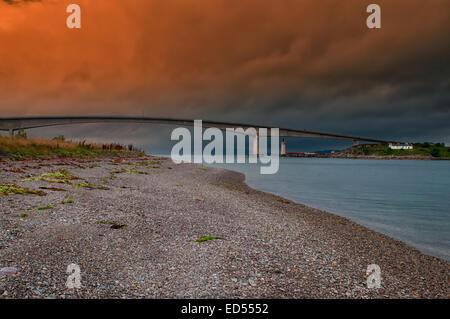 The bridge joining the mainland to the Isle of Skye - Stock Photo