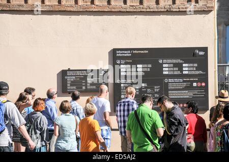 La Sagrada Familia, a major tourist attraction in Barcelona, Catalonia, Spain. Tourist queue up to enter the site - Stock Photo