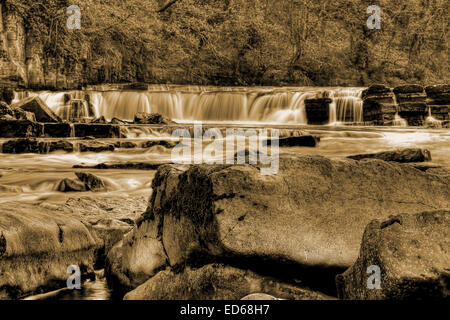 The waterfalls at Richmond in North Yorkshire on the River Swale. - Stock Photo