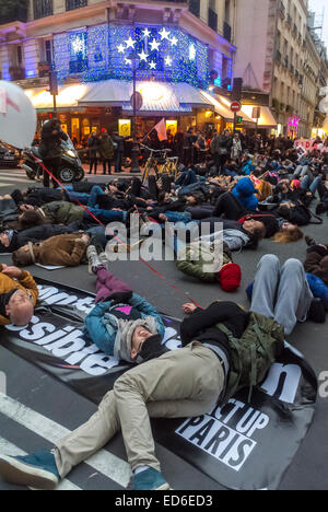Paris, France, Act Up-Paris AIDS Activists, 'December 1','World AIDS Day' Demonstration, on Street, 'Flash Mob', - Stock Photo