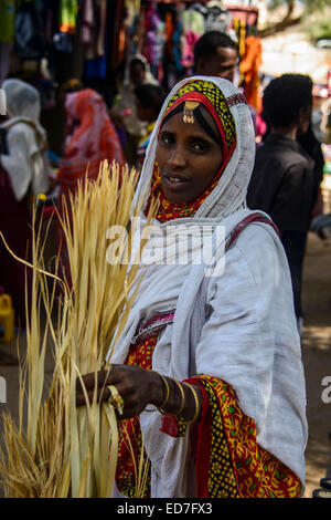 Woman shopping on the colourful Monday market of Keren, Eritrea - Stock Photo