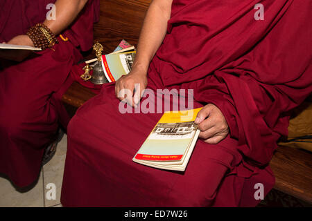 Tibetan monks, mourners, praying, Vietnamese funeral, memorial service, Little Saigon, city of Westminster, California, - Stock Photo
