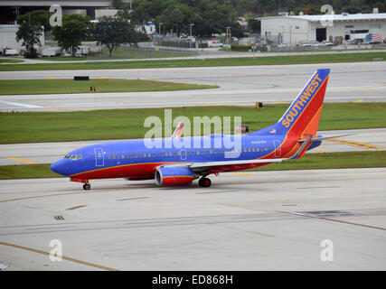 Fort Lauderdale, USA - July 21, 2013: Southwest Airlines Boeing 737 passenger jet departs from Fort Lauderdale, - Stock Photo