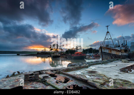 Rusting old wrecks and boats on the River Tamar in Cornwall - Stock Photo