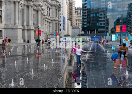 Kids playing in fountains in front of City Hall, Philadelphia, Pennsylvania - Stock Photo