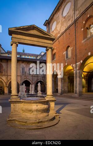 Old market square, Piazza dei Mercanti and Palazzo della Ragione, Milan, Lombardy, Italy - Stock Photo