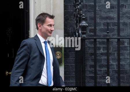 Westminster, London, UK. 7th January, 2015. Health Secretary Jeremy Hunt leaves Downing Street for the weekly PMQ - Stock Photo