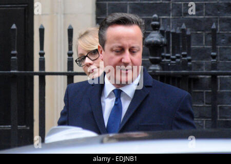 London, UK. 7th January, 2015.  David Cameron leaves 10 Downing street to take part in the first Question Time of - Stock Photo