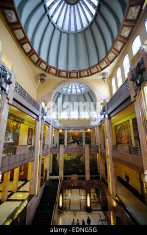 Palacio de Bellas Artes Museum, Mexico City, Mexico. Carrara marble columns in exhibition halls. Marotti glass & - Stock Photo