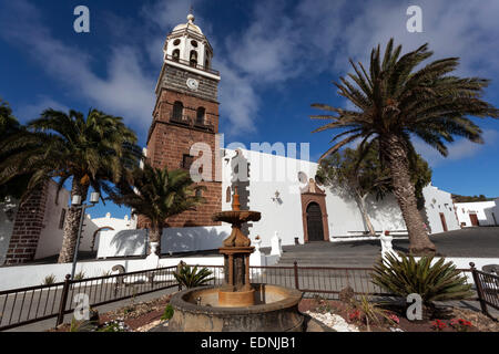 Plaza de la Constitution with the Iglesia de Nuestra Senora de Guadalupe, Teguise, Lanzarote, Canary Islands, Spain - Stock Photo